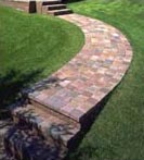 Gracefully curved paver sidewalk