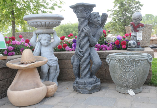 Statuary, Birdbaths and Other Outdoor Décor
