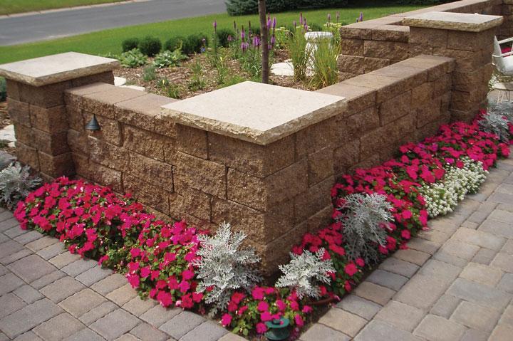 Create decorative freestanding wall features with VERSA-LOK retaining wall blocks.